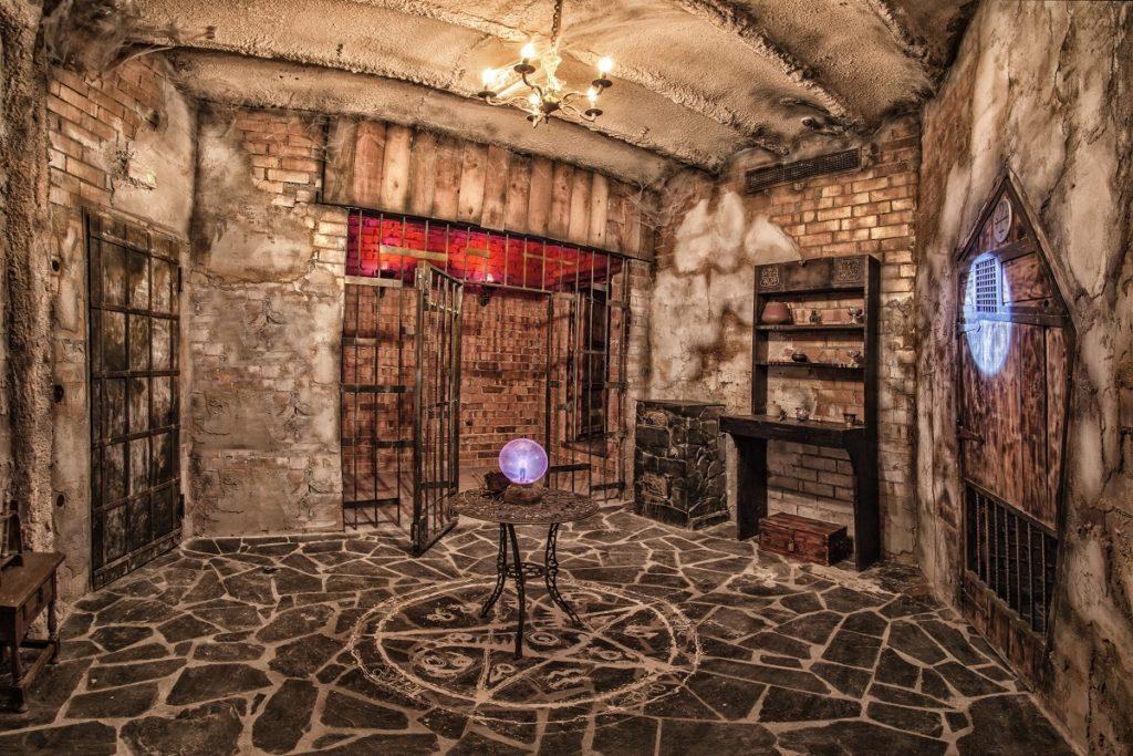 Escape room - atrakcja dla młodzieży w Poznaniu.